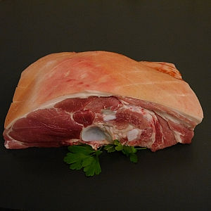 FREE RANGE SHOULDER OF PORK JOINT (each)
