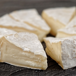 SOMERSET BRIE (sold per 100 grams)