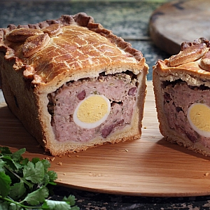 GALA PIE (contains whole eggs) - Christmas order item